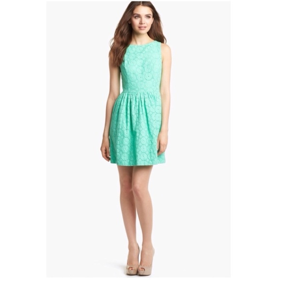 Kensie Dresses & Skirts - NWT Kensie Green Eyelet Fit And Flare Dress Sz S